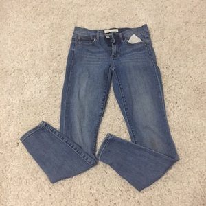Mid-Rise True Skinny New Jeans
